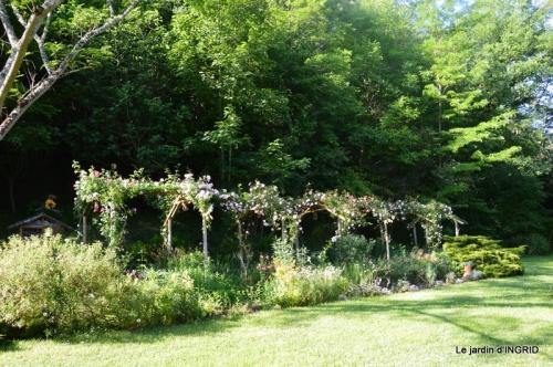 les roses,les 4 filles,jardin,Julie,coquelicots,cygnes 003.JPG