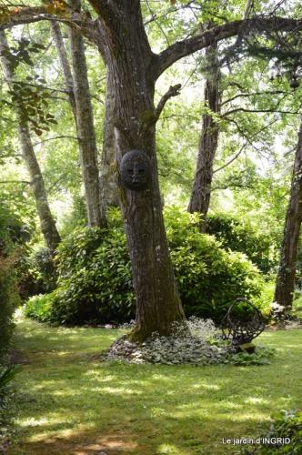 jardin en mai,visites bus,petit jardin 178.JPG