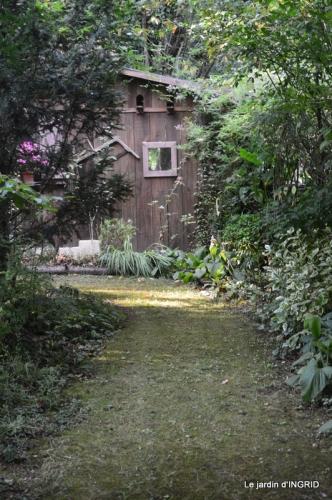 la Couze,les filles,jardin,bambous peints 074.JPG