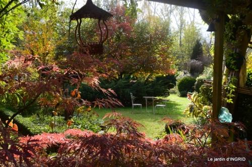 jardin automne,chez Caro avec Julie 063.JPG