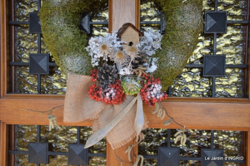 marché de Noel,décos extérieurs,couronnes,petits fruits 023.JPG