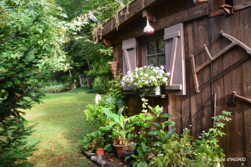 Meyrals,le Bugue,jardin 106.JPG