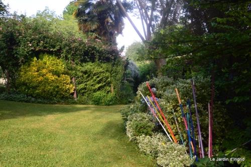 en juin jardin 188.JPG