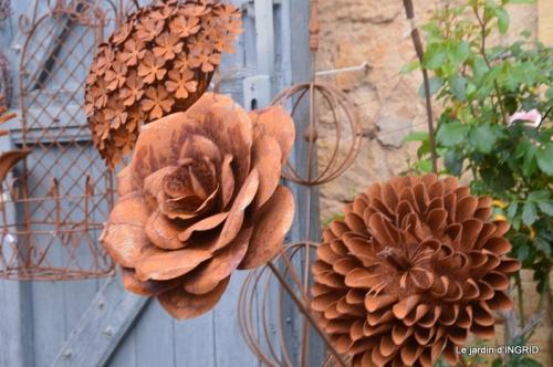 Colombier,Cadouin,jardin,roses,pluie 063.JPG