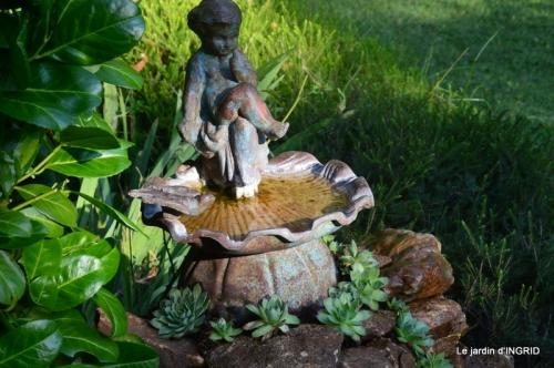 l'ange,puces Cadouin,Romane,piscine,phlox,échinacéas 012.JPG
