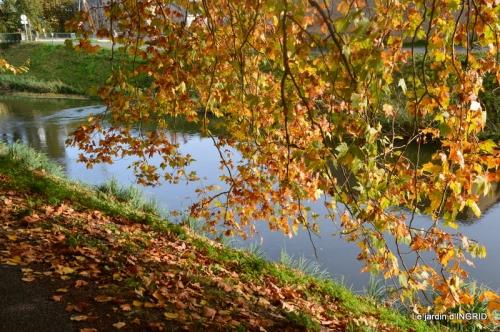 canal automne ,jardin,Ines 134.jpg