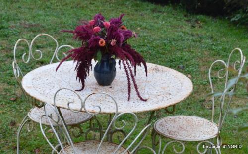 brume,dentelles,fleurs,Noel Jardiland 015.JPG