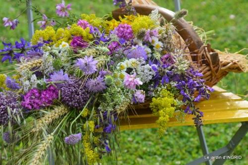 bouquet champêtre,jardin,hémérocalles,nénuphards 040.JPG