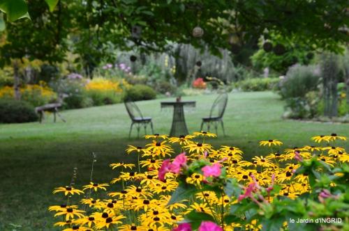 jardin,papillons,anniversaire d'Ines,bricolage 054.JPG