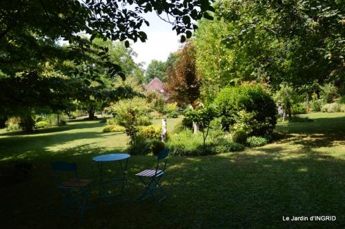 robe Julie,jardin,le flambé,lantanas,dahlias 029.JPG