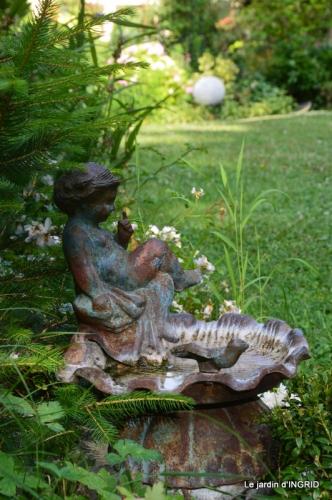 hémérocalles,les filles,les cygnes,la passerelle,moi,jardin 124-001.JPG