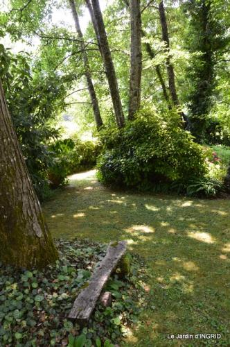 robe Julie,jardin,le flambé,lantanas,dahlias 027.JPG