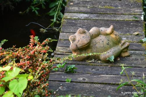 jardin,papillons,anniversaire d'Ines,bricolage 010.JPG