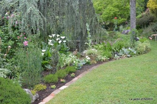 jardin en mai,visites bus,petit jardin 243.JPG