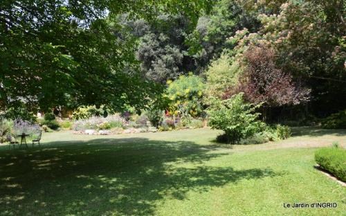 robe Julie,jardin,le flambé,lantanas,dahlias 018.JPG