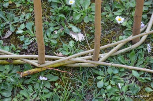 l'osier,stuctures,fleurettes printemps 077.JPG