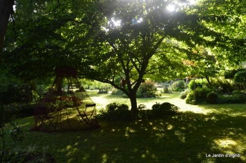 en juin jardin 158.JPG