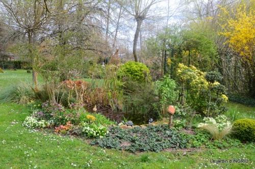 canal,jardin,dentelles 055.JPG