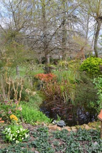 canal,jardin,dentelles 054.JPG