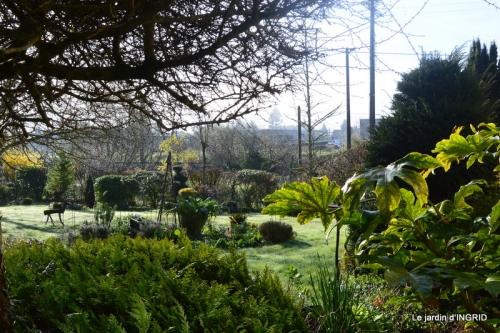 canal,jardin,dentelles 030.JPG