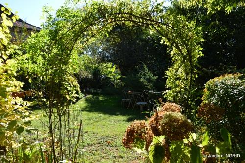 citadelle Blaye,bouquet,jardin,dahlias 102.JPG