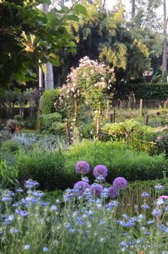 Trémolat,petit jardin,Julie 061.JPG