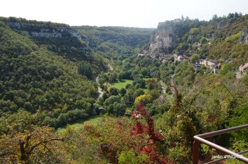Mongolfières à Rocamadour,Martel village 021.jpg