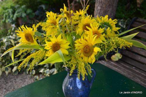 Lalinde passerelle,bouquet,jardin septembre 011.JPG