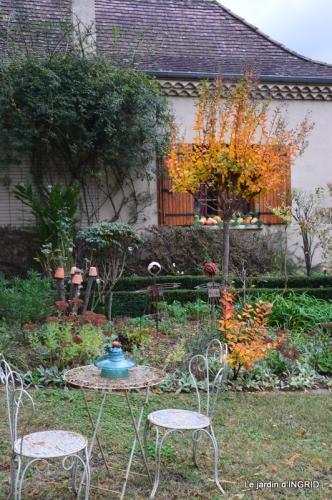 canal automne ,jardin,Ines 082.JPG