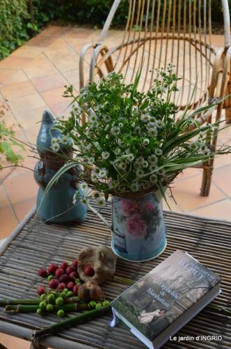 sentier des cygnes,hémérocalles,bouquet,jardin 158-001.JPG