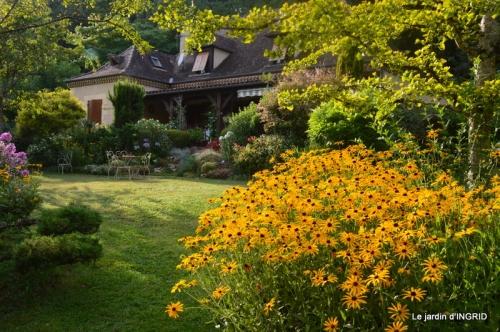 la Couze,les filles,jardin,bambous peints 077.JPG