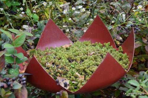 jardin,St Avit Seigneur brocante,Neuvic fête des plantes 089.JPG