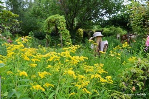 Issygeac,st Avit Seigneur,carpes kois,jardin,fleurs rouges 133.JPG