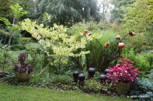 Meyrals,le Bugue,jardin 103.JPG