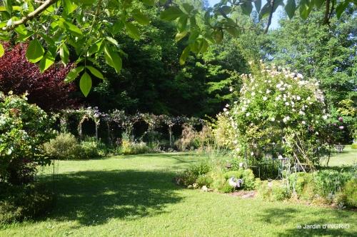 les roses,les 4 filles,jardin,Julie,coquelicots,cygnes 001.JPG