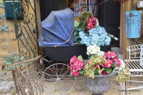Colombier,Cadouin,jardin,roses,pluie 067.JPG