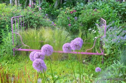 jardin en mai,visites bus,petit jardin 130.JPG
