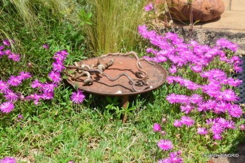 jardin en mai,visites bus,petit jardin 155.JPG