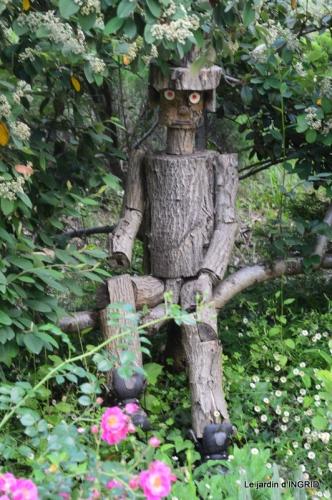 Epouvantails,ouverture,jardin 011.JPG