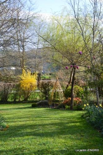 canal,jardin,dentelles 071.JPG