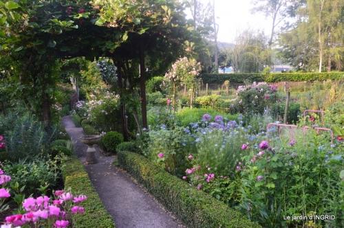 Trémolat,petit jardin,Julie 060.JPG