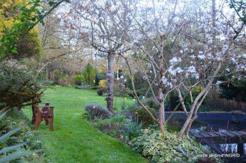 canal,jardin,dentelles 092.JPG