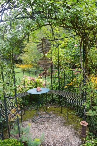 jardin,papillons,anniversaire d'Ines,bricolage 061.JPG