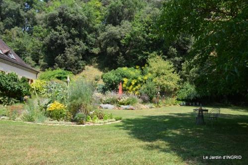 robe Julie,jardin,le flambé,lantanas,dahlias 015.JPG