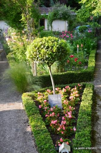 jardin en mai,visites bus,petit jardin 132.JPG
