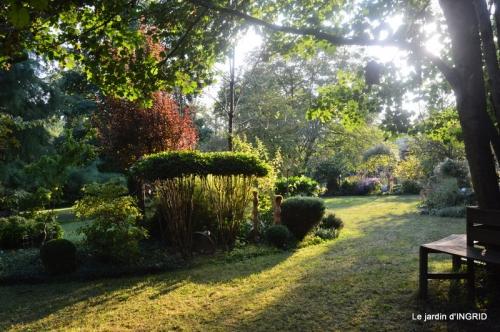 male ancienne,septembre jardin,couronne,bouquet 092.JPG