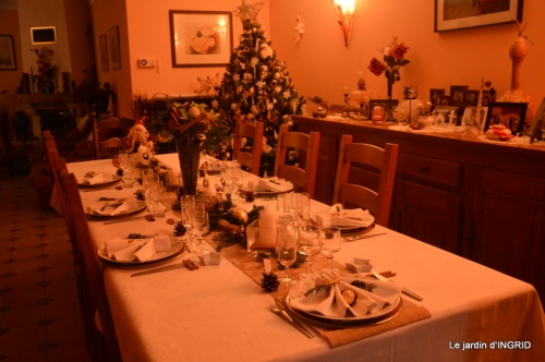 table de Noel,enfants canal,bouquet,tourterelle 061.JPG