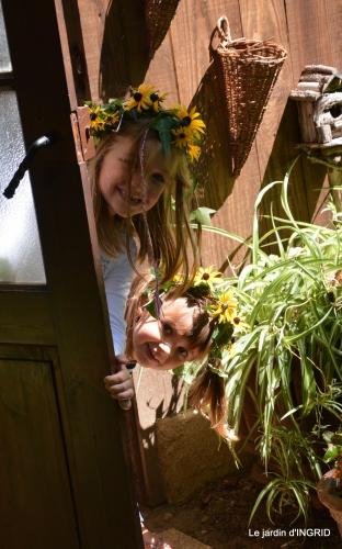 les filles,couronnes,jardins du Colombier 043.JPG