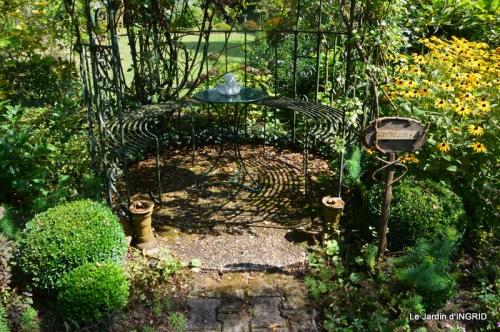 jardin,puces Lasmonzie,asters 086.JPG
