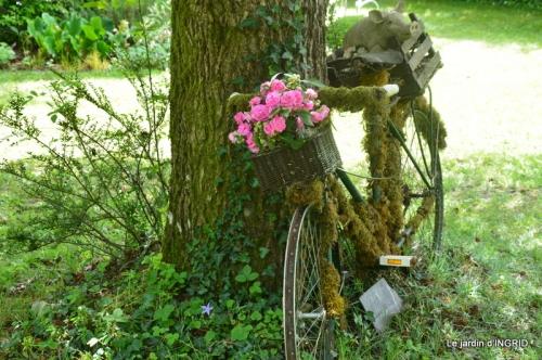 jardin en mai,visites bus,petit jardin 164.JPG